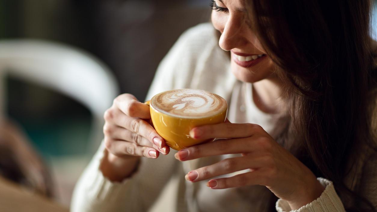 Schön mit einer Tasse Kaffee einmümmeln und den Tag genießen? Mit dieser Art von Kaffee lohnt sich das richtig.