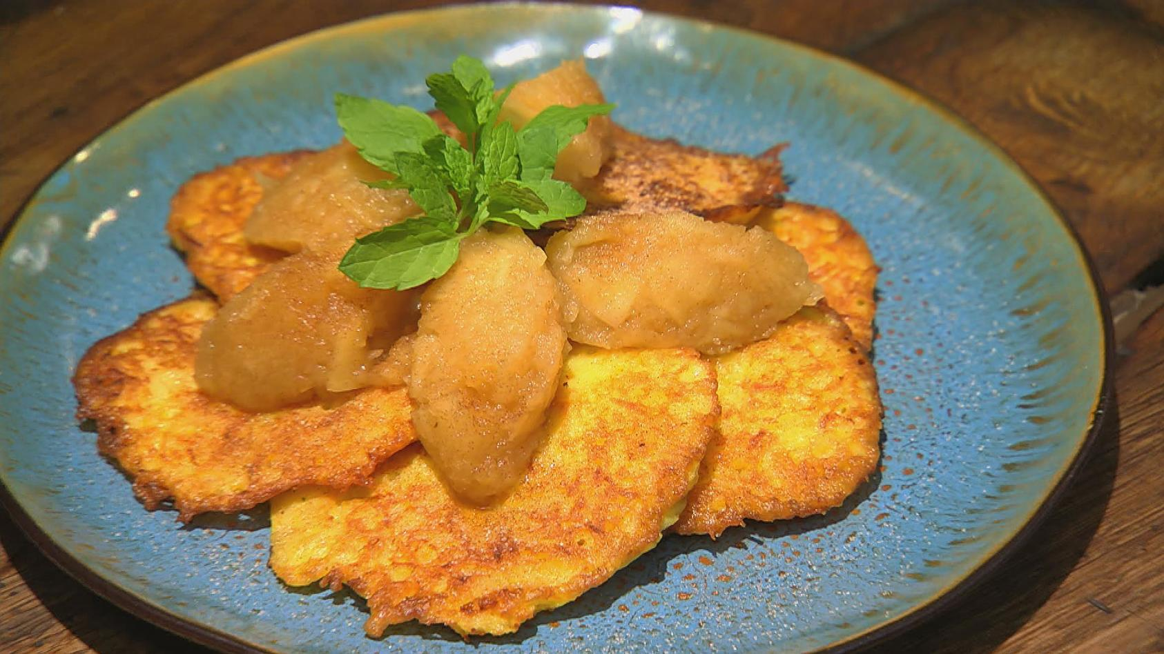 Kartoffelheld – Knollengerichte für jeden Tag: Kartoffelpuffer mit Apfelkompott