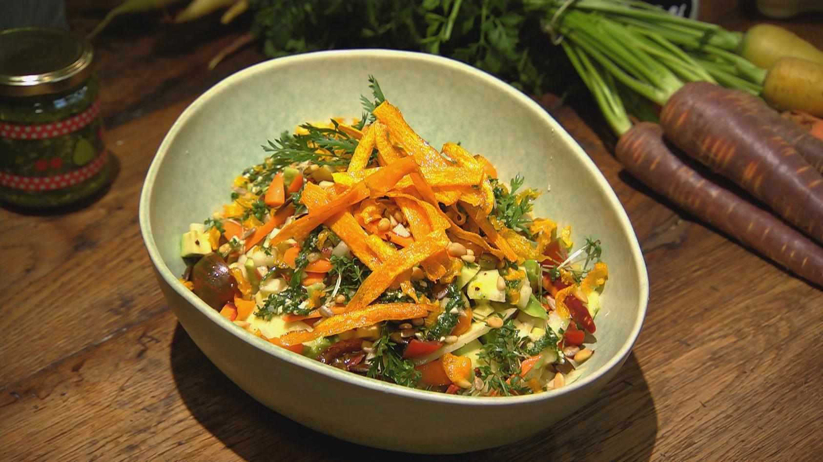 Flotte Karotte – Gerichte mit unserer Lieblingswurzel: Möhren-Avocado-Salat