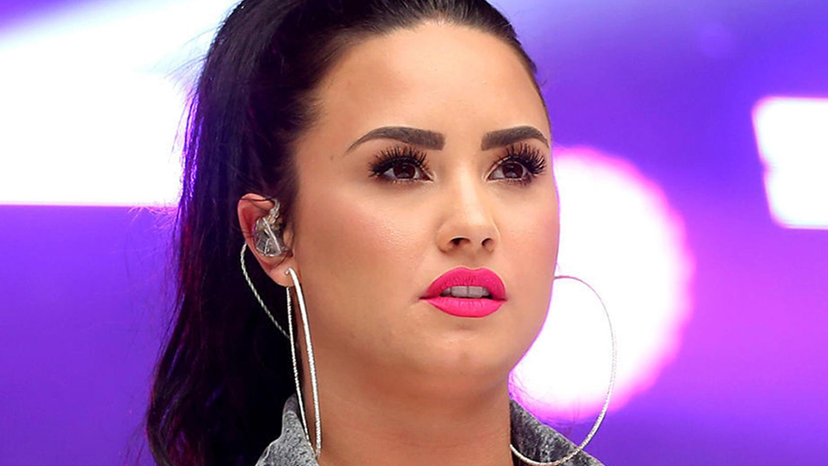 Demi Lovato erinnert auf emotionale Art und Weise an ihren Beinahe-Tod.