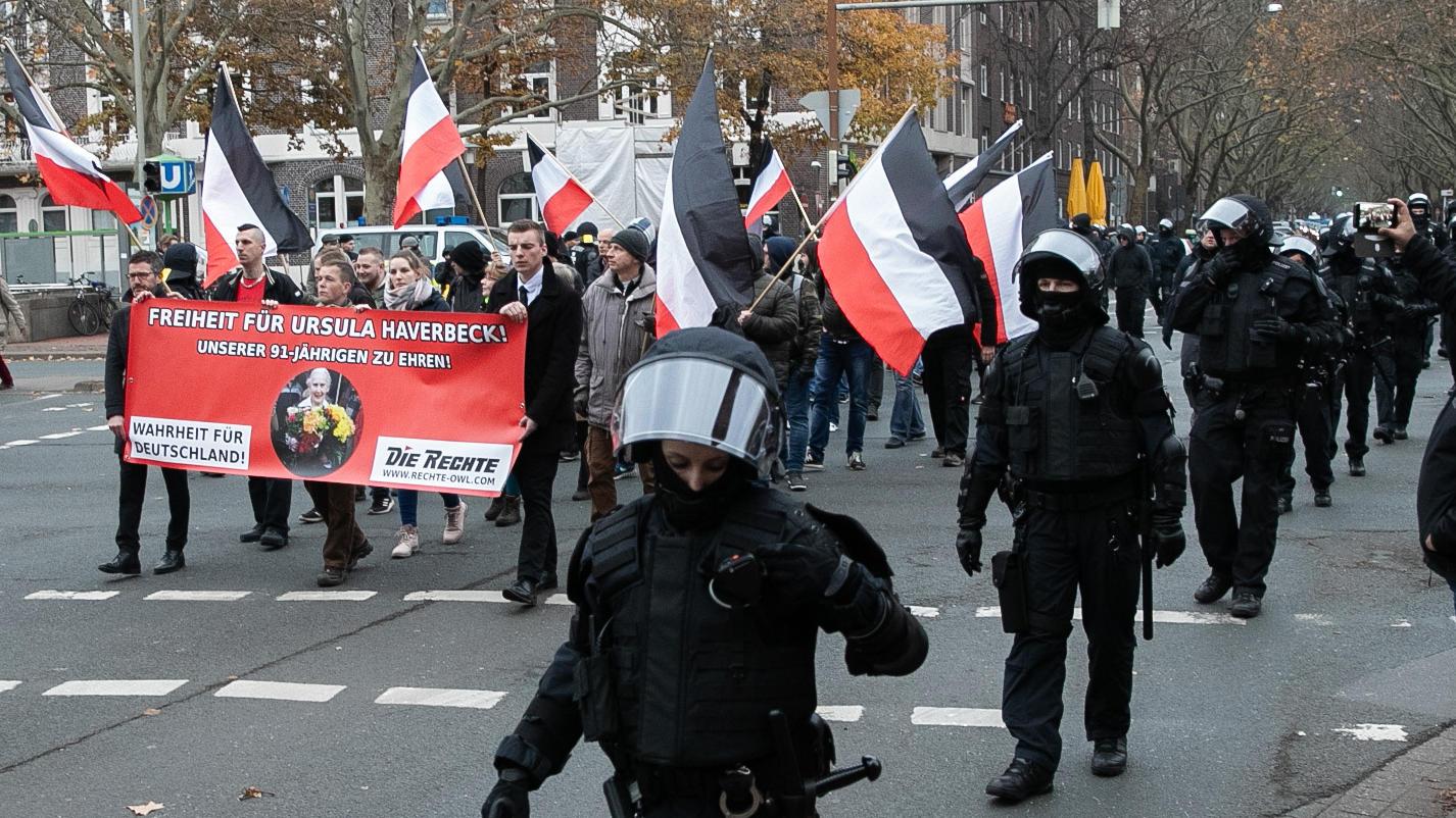 Hannover, NPD-Aufmarsch in Hannover, Neonazis, Demonstration Bereitschaftspolizei, Symbolfoto,