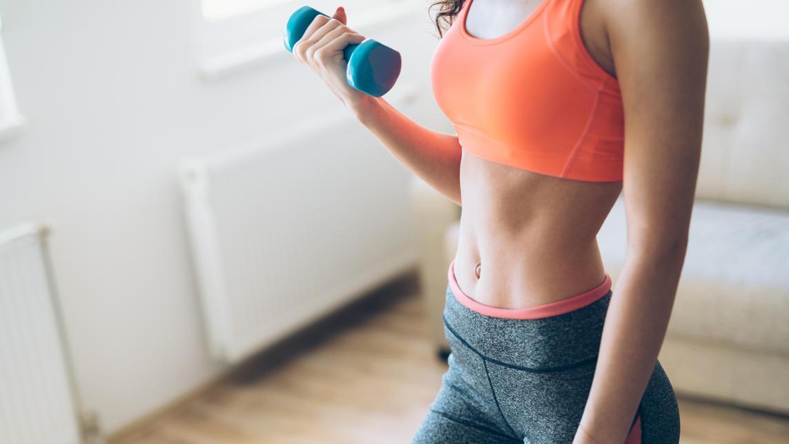 Wer zuhause trainiert, hat meist wenig Platz zum Aufstellen von Fitnessgeräten