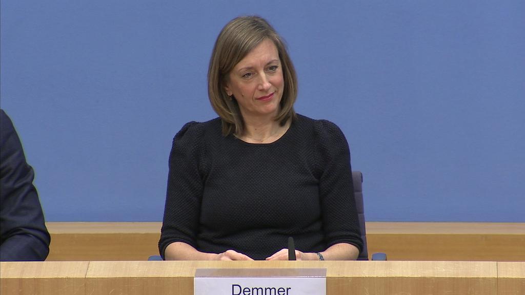 Ulrike Demmer bei der Bundespressekonferenz am 03.01.2020