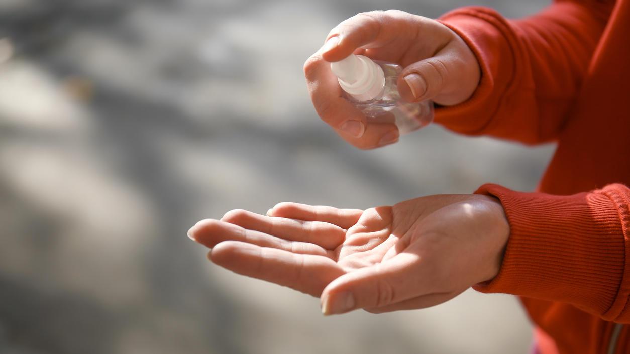 Die Hände desinfizieren? Das geht auch mit selbstgemachten Händefesinfektionsmittel