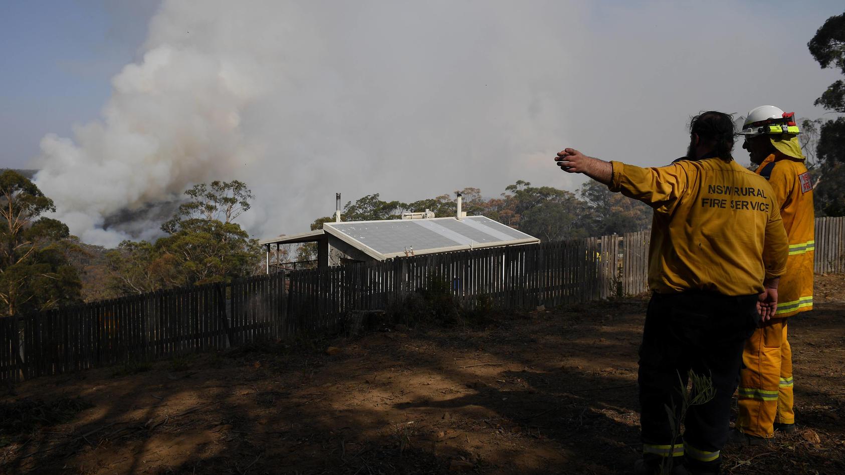Nach zweieinhalb Monaten hat die australische Feuerwehr einen der Riesenbrände im Südosten des Landes unter Kontrolle gebracht.