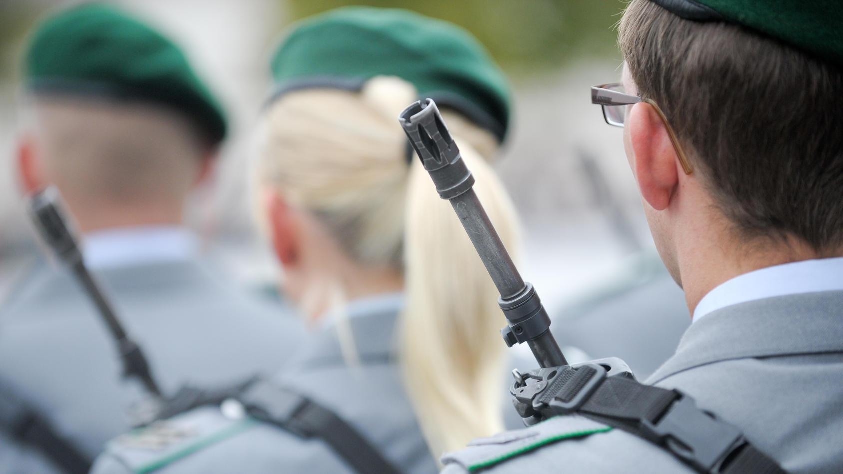 150 Länder weltweit haben die Rekrutierung Minderjähriger für ihre Armeen gestoppt - anders als Deutschland.