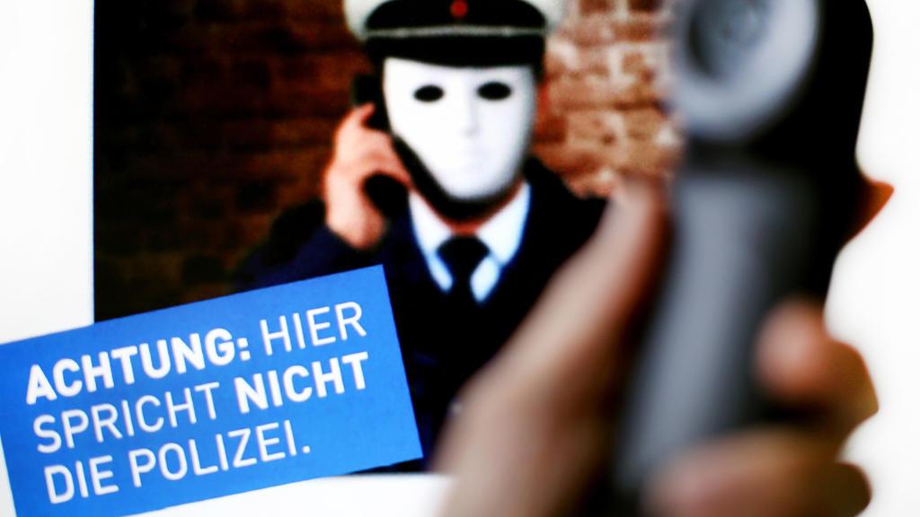 Die Polizei warnt vor falschen Polizisten.