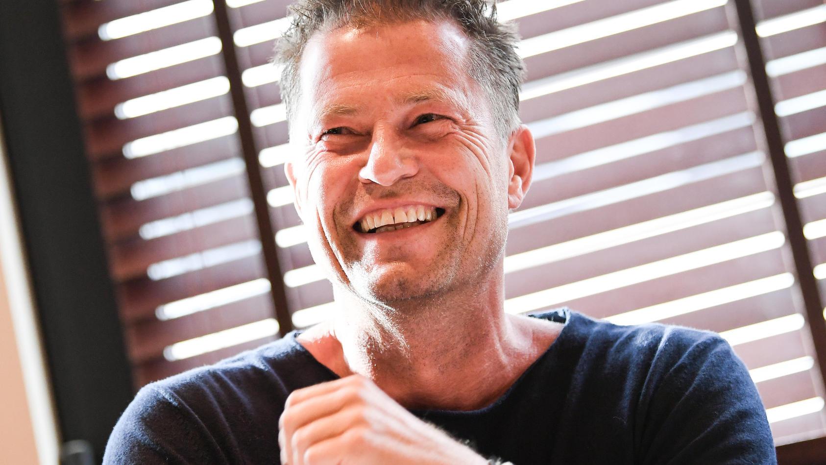 Schauspieler Til Schweiger macht sich nichts draus, dass seine Follower sein neustes Foto kritisieren.