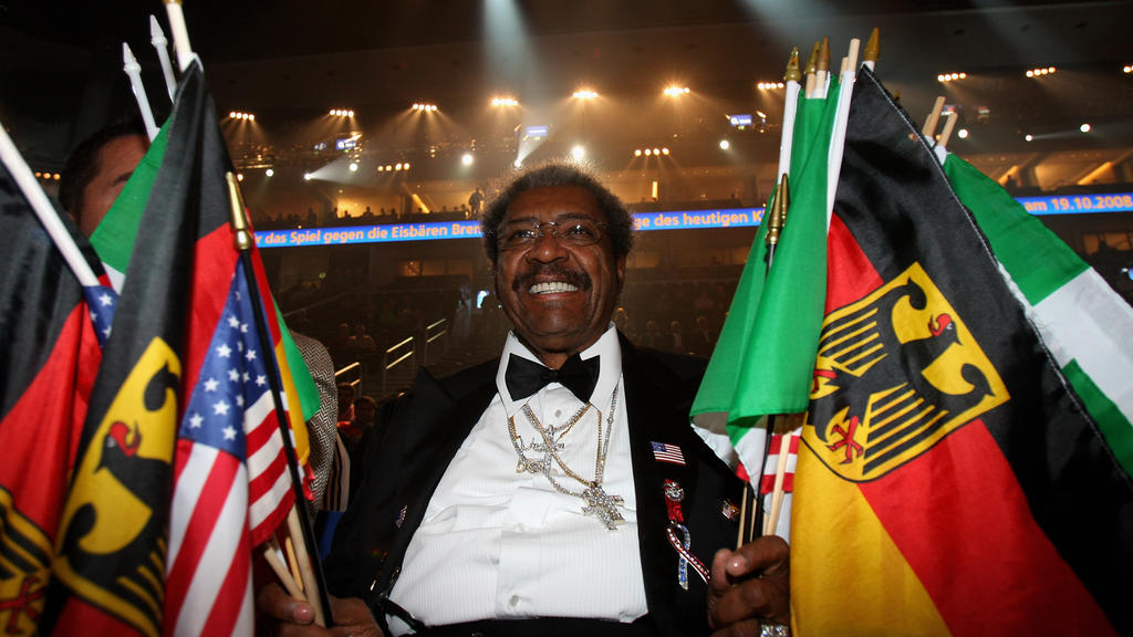 BERLIN - OCTOBER 11:  Don King, boxing promoter during the WBC World Heavyweight Championship fight between  Samuel Peter and Vitali Klitschko at the O2 World on October 11, 2008 in Berlin, Germany.  (Photo by Stuart Franklin/Bongarts/Getty Images)
