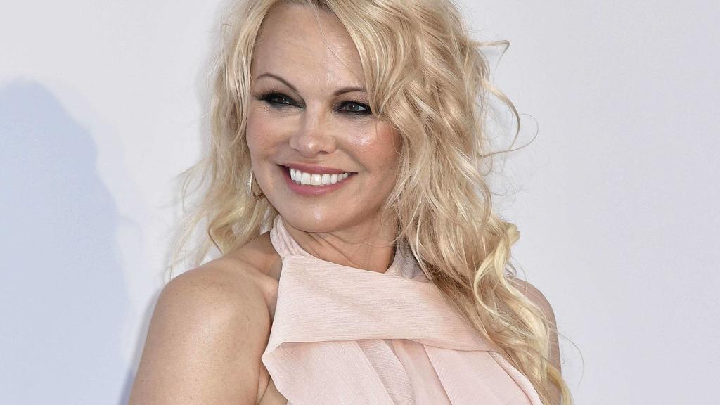 Kultblondine Pamela Anderson hatte wenig Glück mit den Männern: Aktuell ist sie mit ihrem sechsten Ehemann verheiratet.