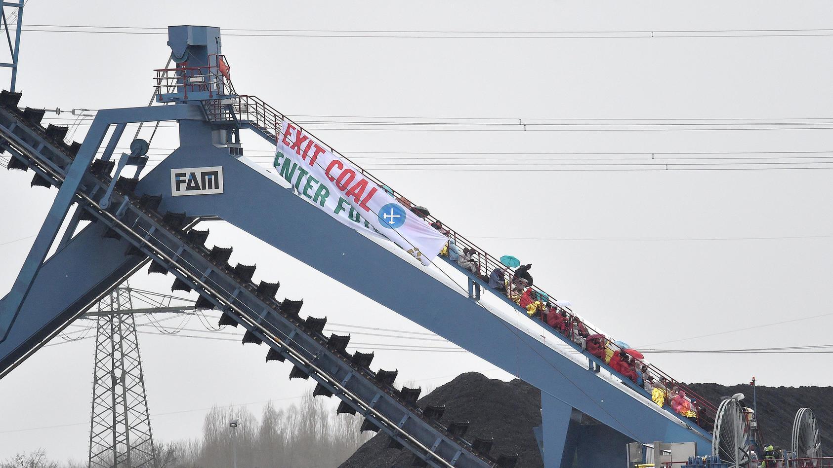 Aktivisten in Steinkohlekraftwerk Datteln 4 eingedrungen.