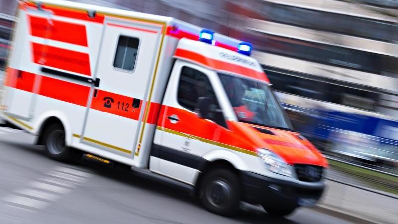 Ein Mann ist gestorben, nachdem zwei Feuerwehrleute seinen Notruf nicht ernst genommen haben. Foto: Symbolbild