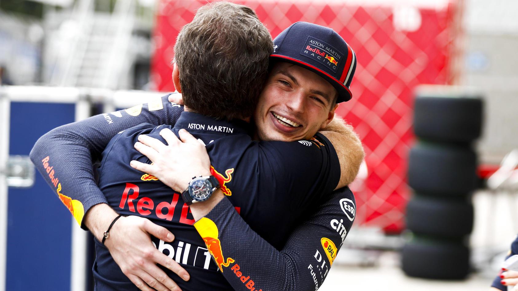 Max Verstappen mit Teamchef Christian Horner