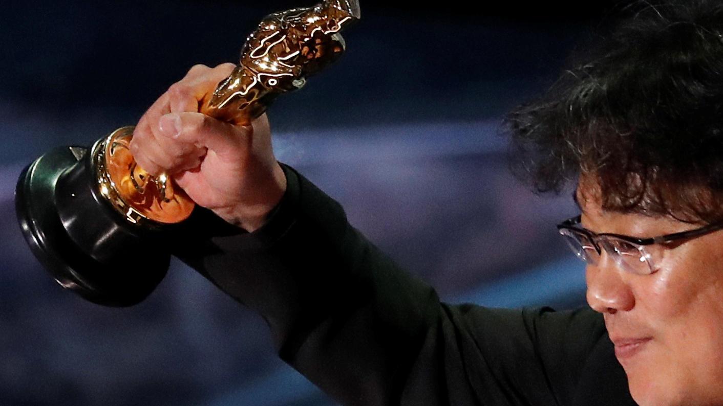 Bong Joon Ho feiert seinen Oscar-Gewinn