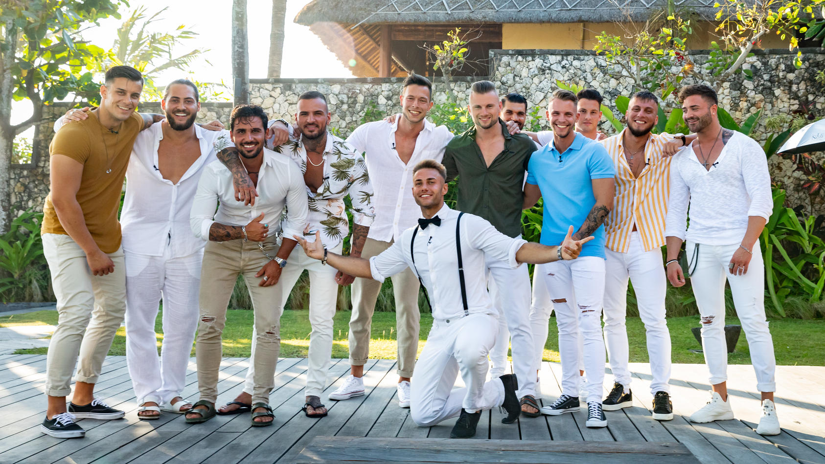 """Sie sind sowas von ready: Unsere 12 Single-Männer wollen auf """"Temptation Island""""  richtig Gas geben."""
