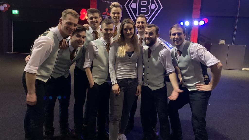 "Reporterin Daria Bücheler mit dem ""Gentlemen Ensemble""."