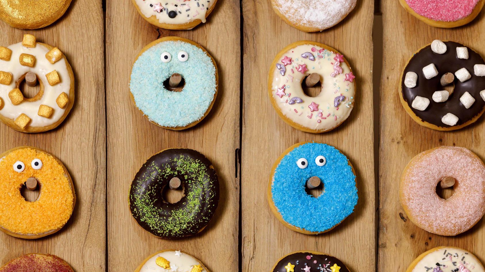 Donuts auf der Internationalen Süßwarenmesse ISM in der KoelnMesse. Köln, 03.02.2020 *** Donuts at the International Sw
