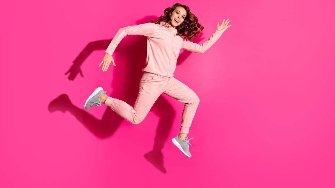 Model Nina Agdal trägt die Jogginghose auch bei öffentlichen Auftritten