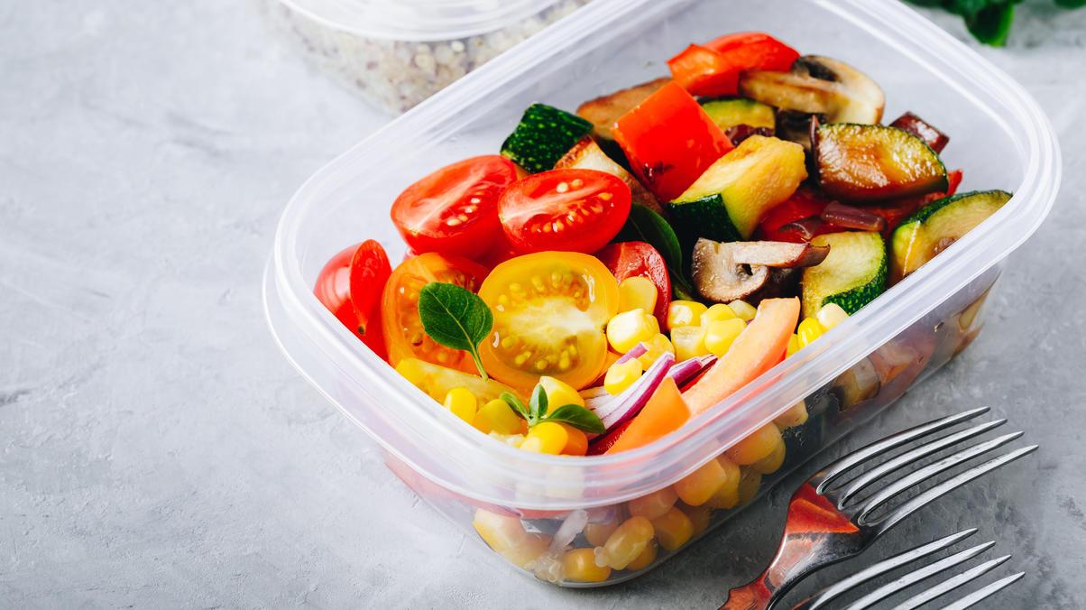 Meal Prep ist gar nicht schwierig, aber so ein Wochenplan spart Zeit und Geld - und die Gerichte sind lecker