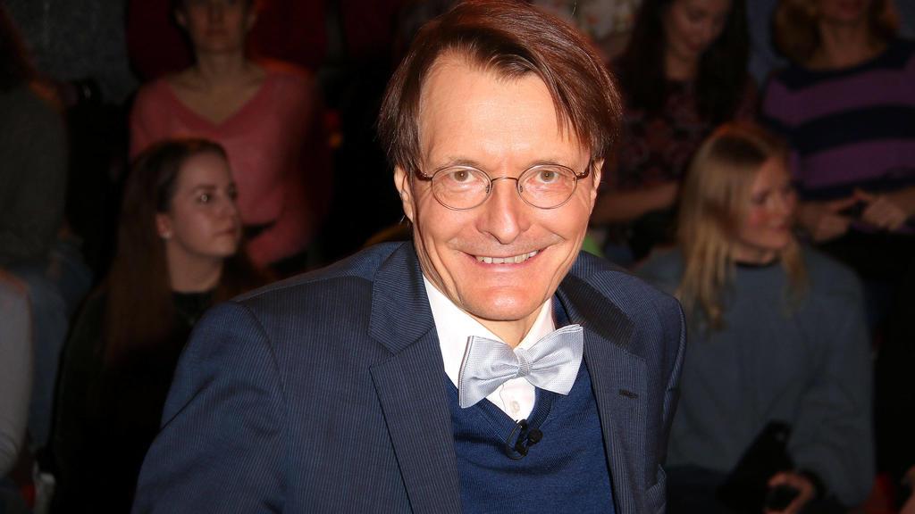 Karl Lauterbach im März 2020 zu Gast bei Markus Lanz - damals noch mit Fliege.