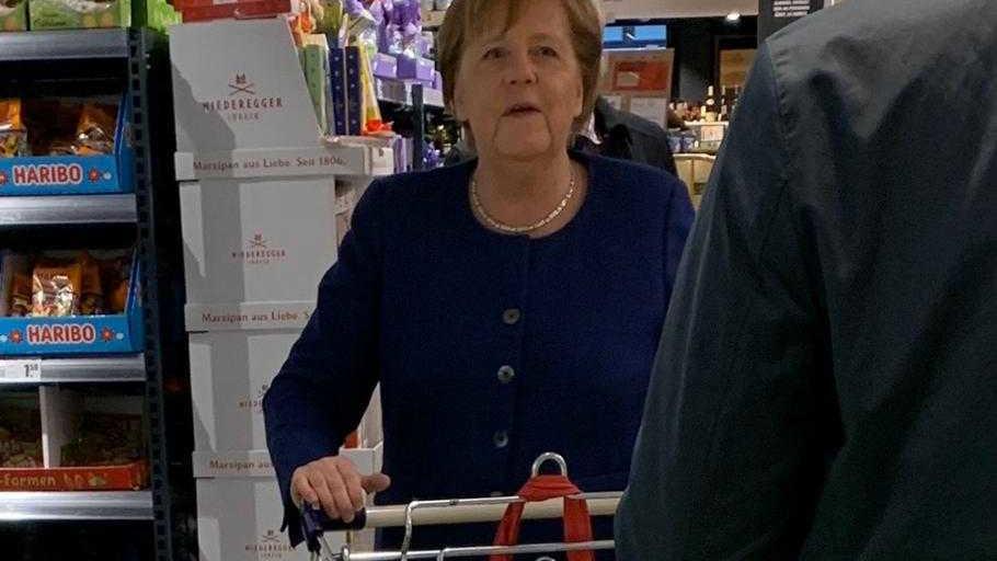 Angela Merkel geht auch in Zeiten der Corona-Pandemie einkaufen.
