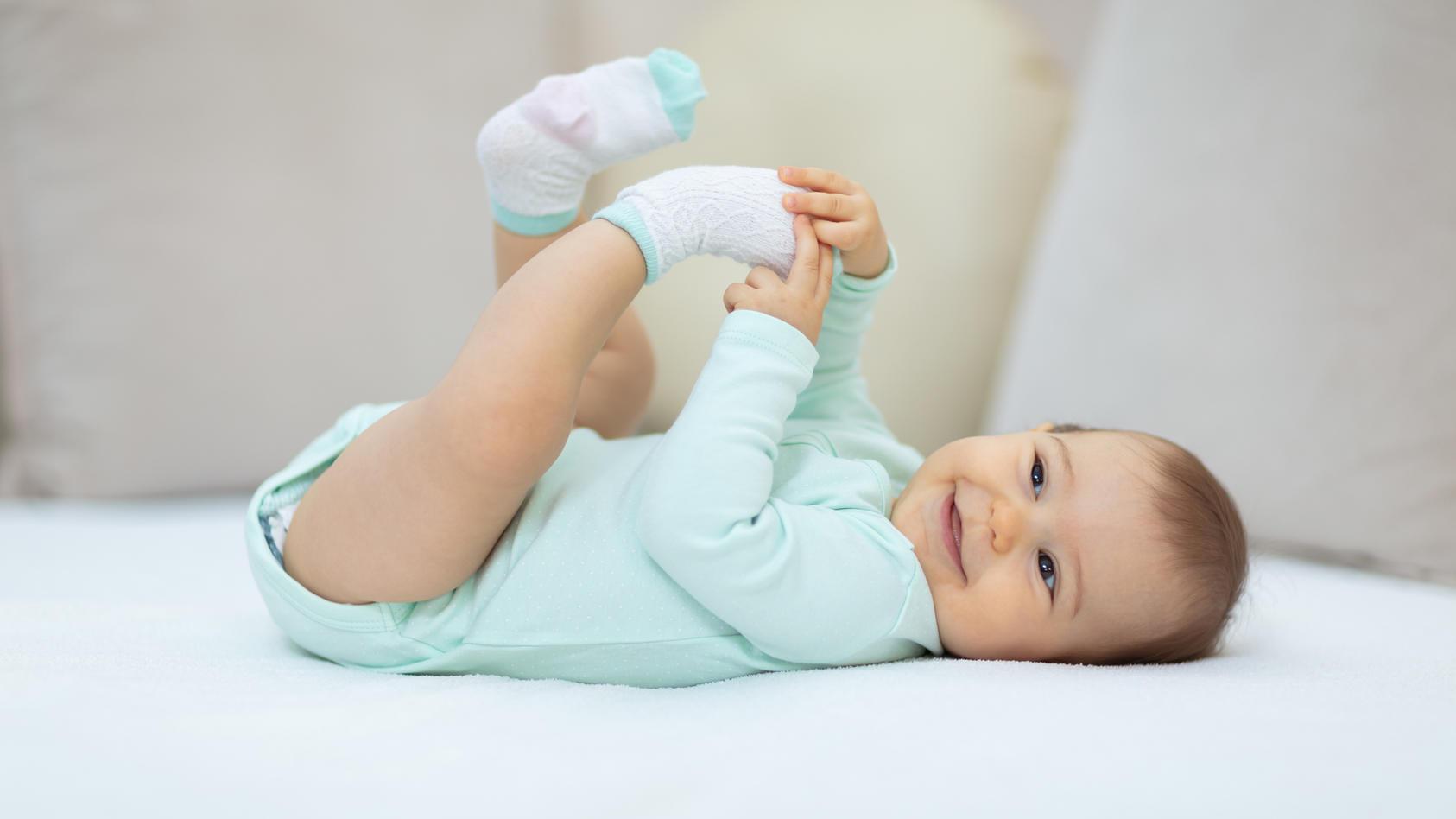 Babybody So praktisch ist ein Body für das Baby und die Eltern