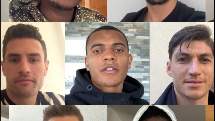 Schweizer Nationalspieler singen