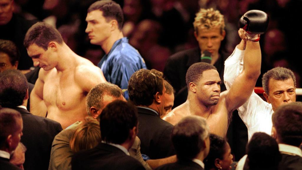 Trotz klarer Führung gab Vitali Klitschko vor 20 Jahren gegen Chris Byrd auf - der konnte sein Glück kaum fassen