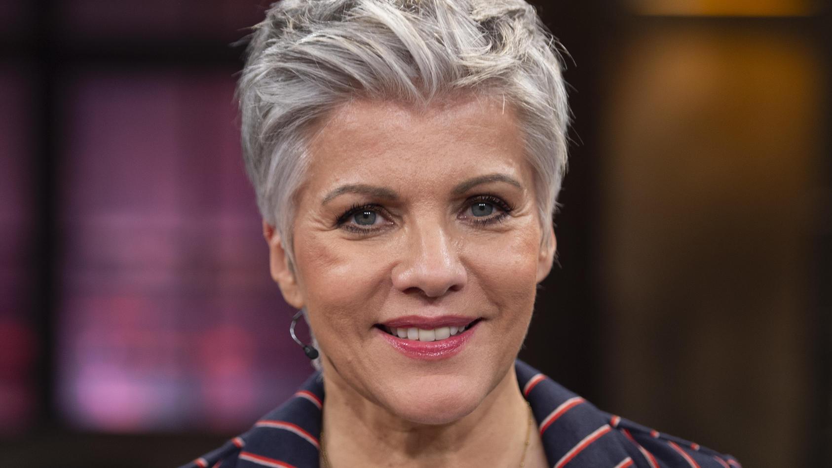 """Birgit Schrowange gibt in ihrem neuen Buch """"Birgit ungeschminkt"""" auch Finanztipps."""
