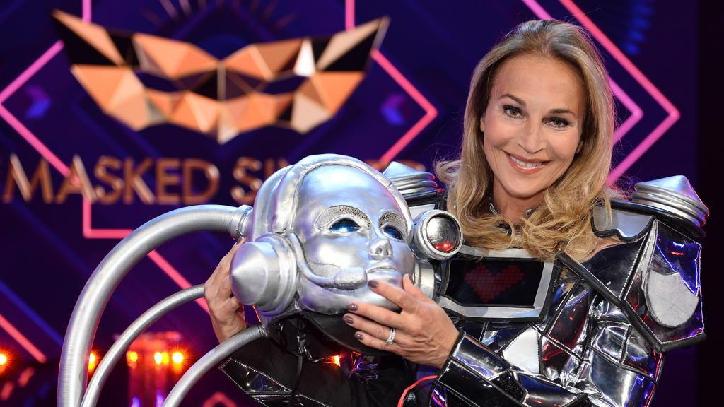 """""""The Masked Singer"""": Der Roboter ist enttarnt - es ist Caroline Beil."""