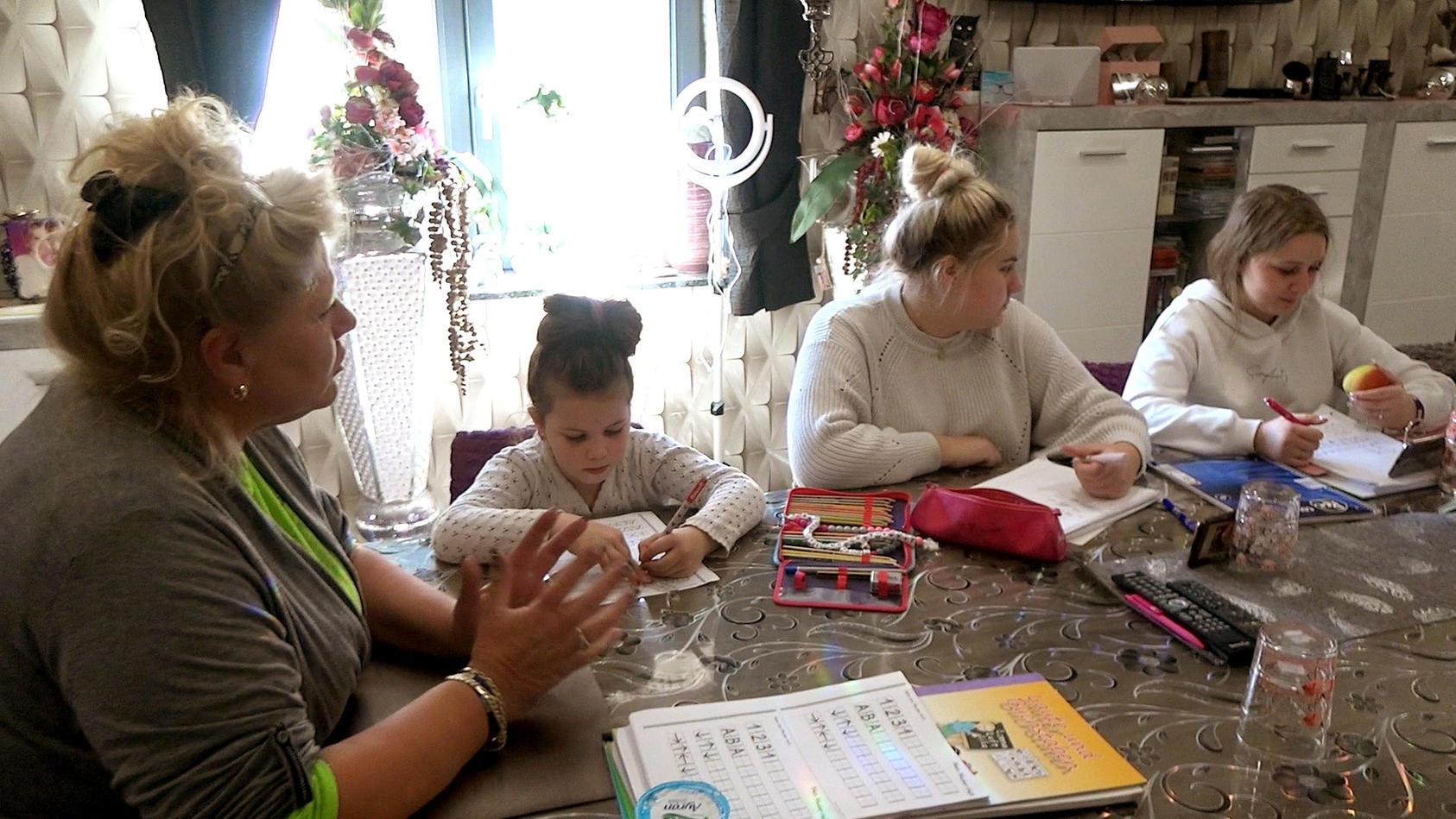 Auch während der Coronakrise achtet Silvia Wollny auf einen geregelten Tagesablauf bei ihren Kids.