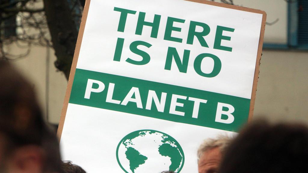 Klimaschutzgesetz reicht so nicht aus.