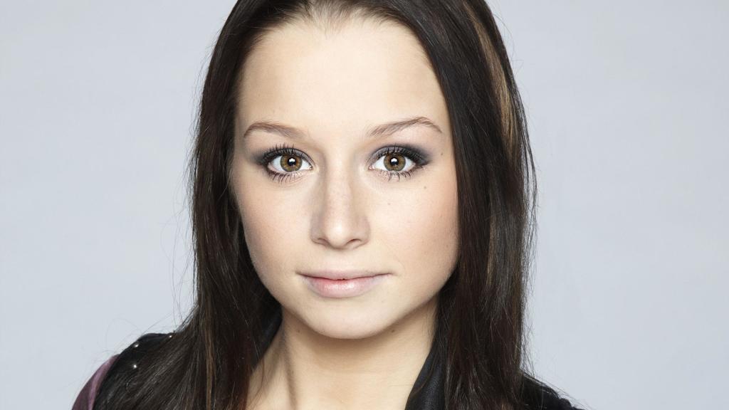 Senta-Sofia Delliponti spielt Tanja Seefeld. ACHTUNG: SPERRFRIST für Online-Nutzung bis einschl. DI., 01.05.2012!!!!