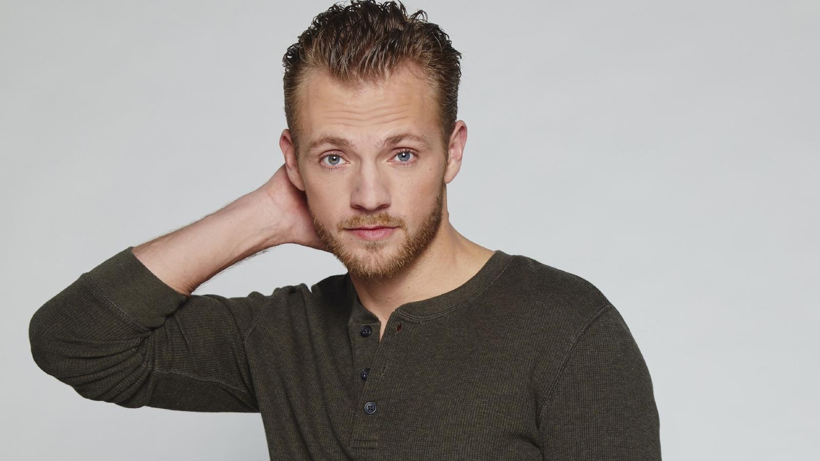 Niklas Osterloh spielt bei GZSZ die Rolle Paul Wiedmann.