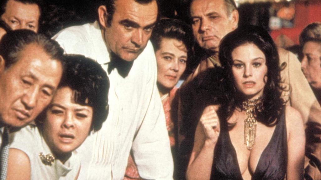 Geheimagent James Bond 007 (Sean Connery) und Plenty O'Toole (Lana Wood). Kinostart: 14.12.1971