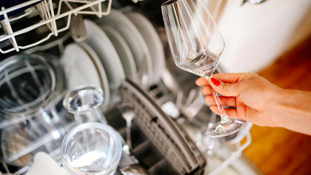 Einfach sauber: Gute Geschirrspüler gibt es auch vergleichsweise günstig