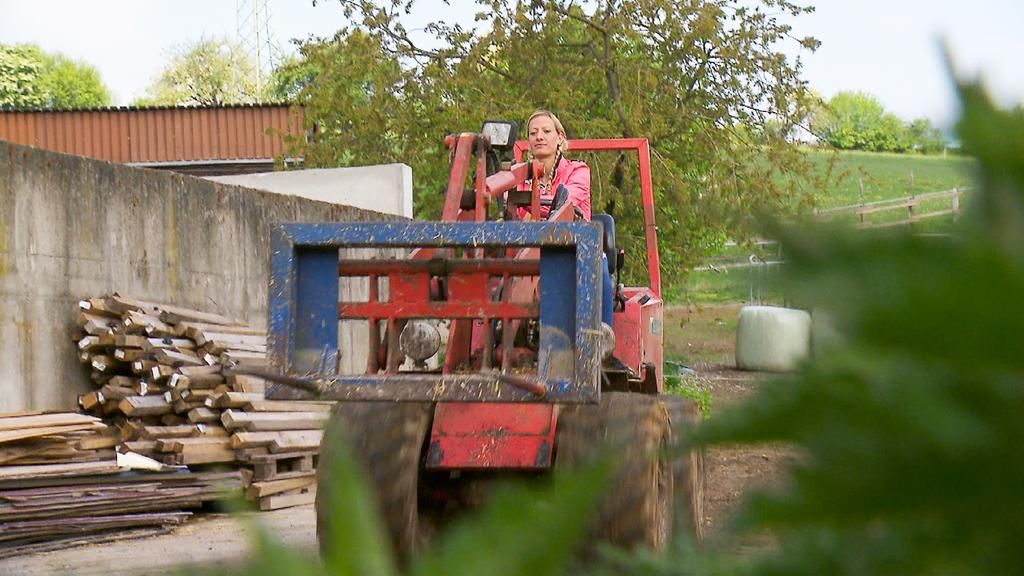 Bio-Bäuerin und Pferdewirtin Denise (31, Landkreis Höxter) +++ Die Verwendung des sendungsbezogenen Materials ist nur mit dem Hinweis und Verlinkung auf TVNOW gestattet. +++
