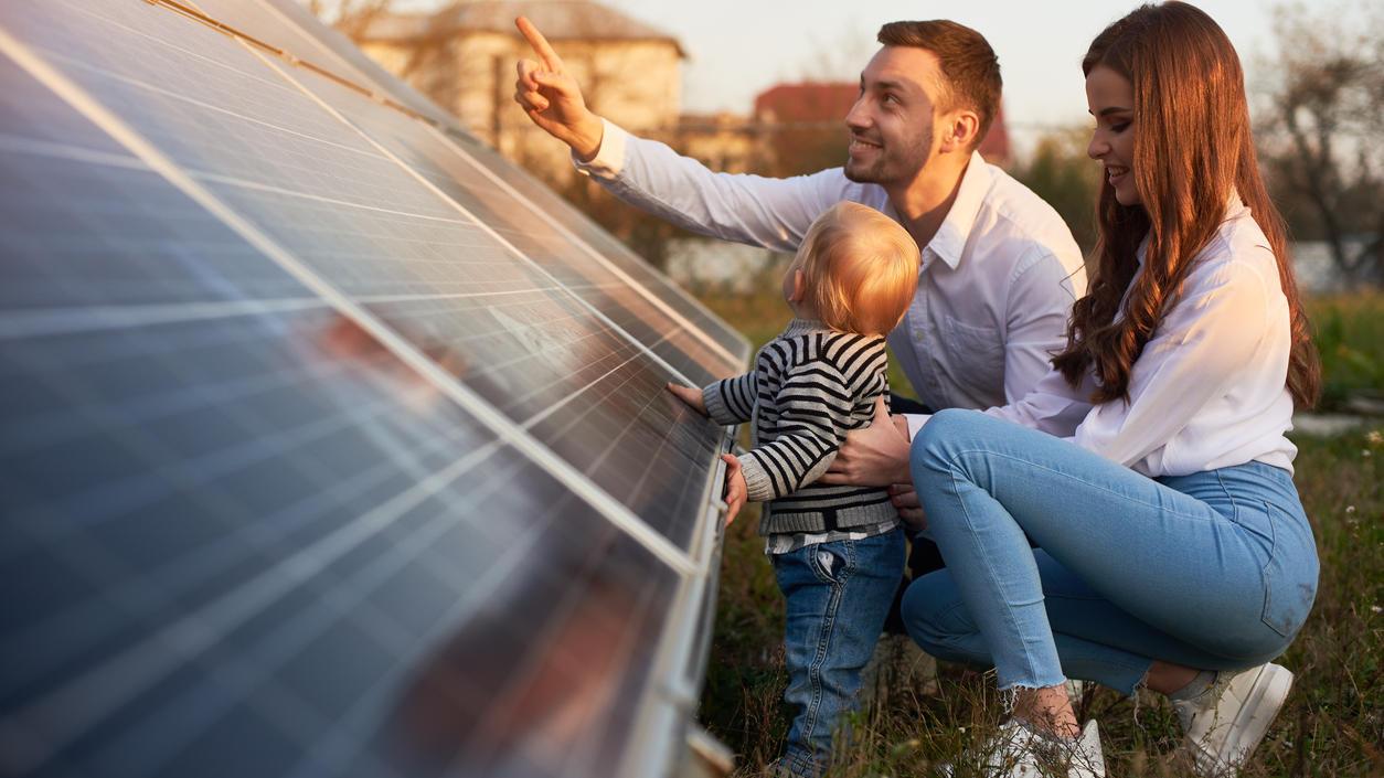 Mit Hilfe der Sonnenenergie  kann eigener Strom erzeugt werden