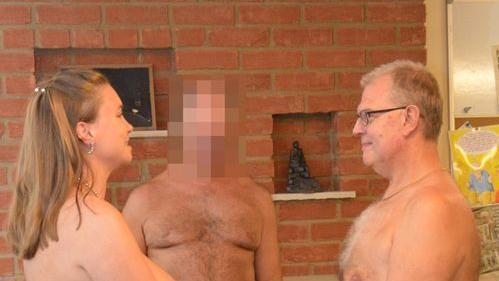 Rachel und Nigel haben sich nackt trauen lassen.