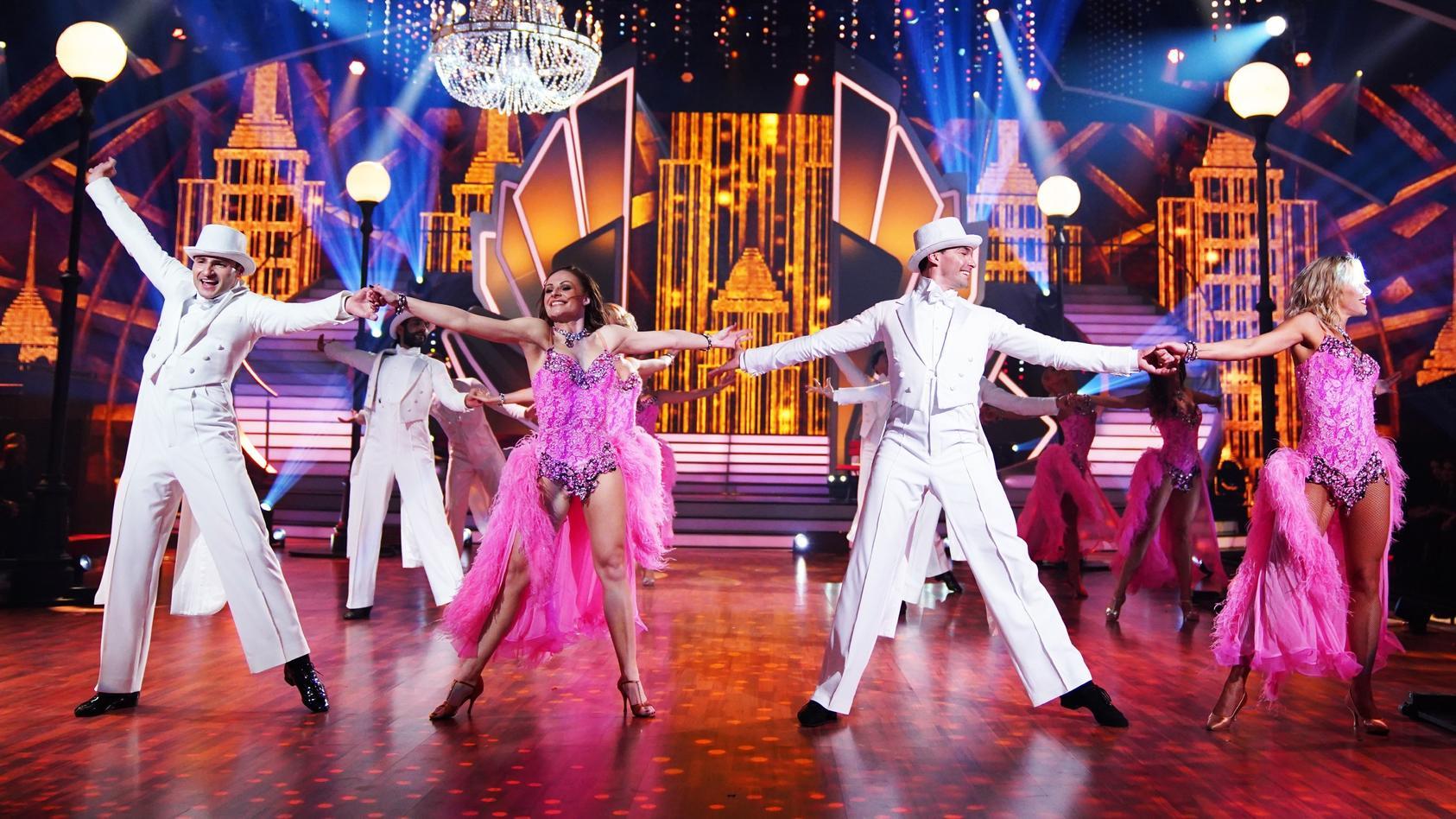 """Bei der Profi-Challenge treten die """"Let's Dance""""-Tänzer gegeneinander an."""