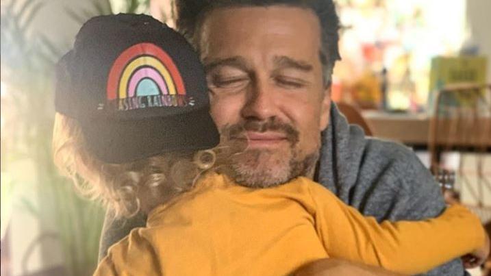 Wayne Carpendale mit seinem Sohn Mads, der die Herzen im Sturm erobert