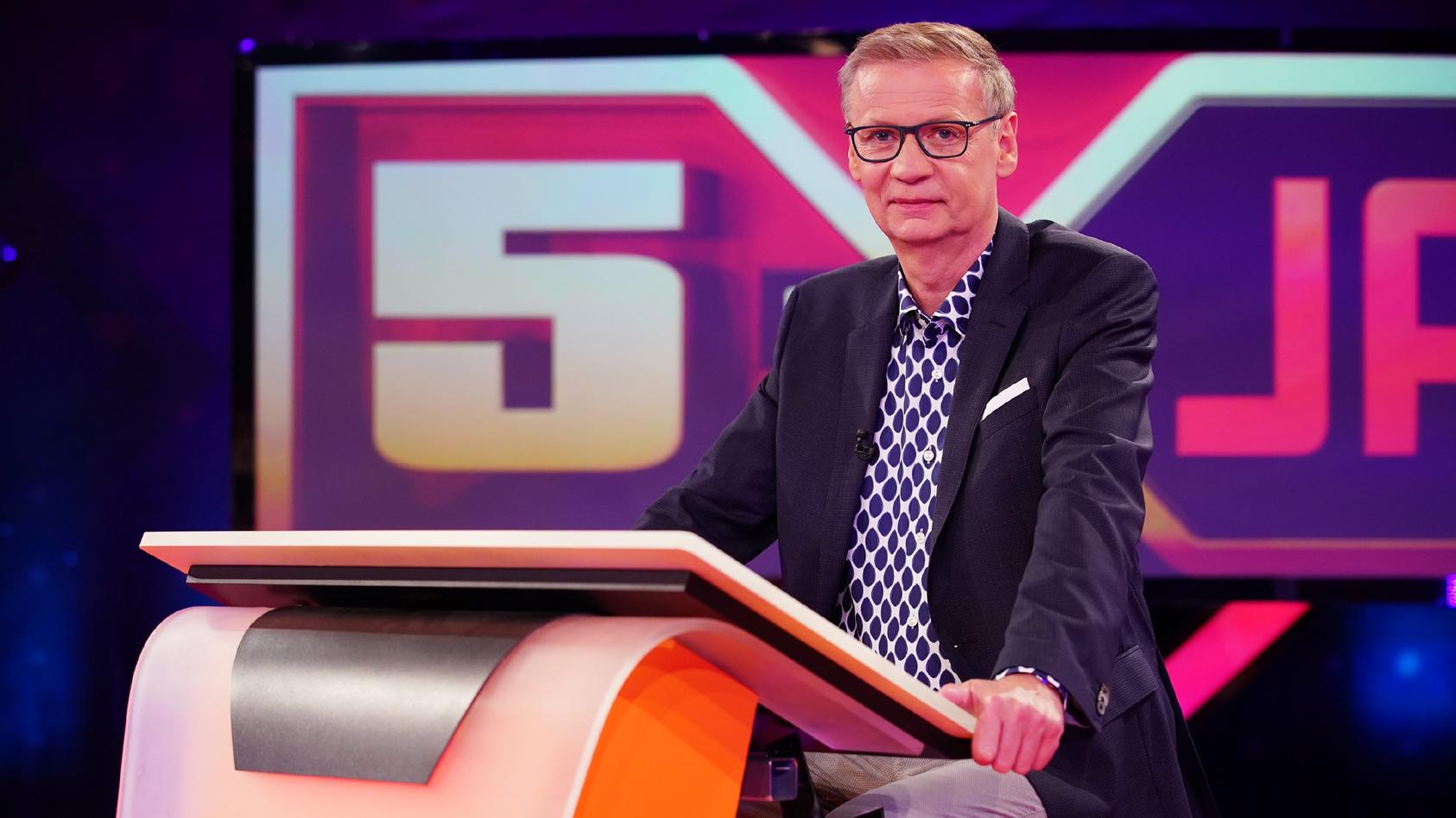 """Günther Jauch in der finalen Folge von """"5 gegen Jauch""""."""