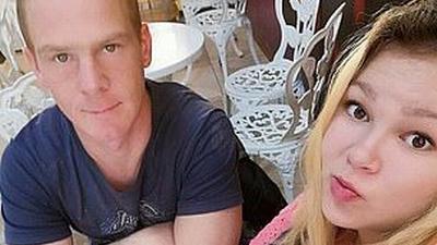 Margarita Yanayeva (23) und ihr Partner Alexey (35) aus Vilyuchinsk