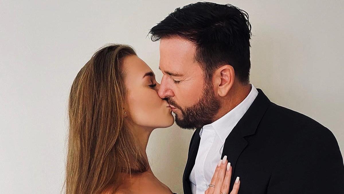 Laura und der Schlagerstar Michael Wendler gaben sich in Florida das Jawort. Auf die große Feier muss das Paar jetzt noch warten.