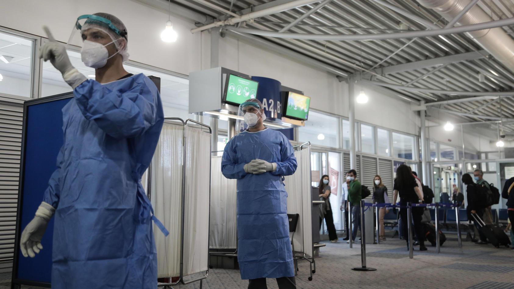 Der Coronavirus-Testbereich am Flughafen von Athen
