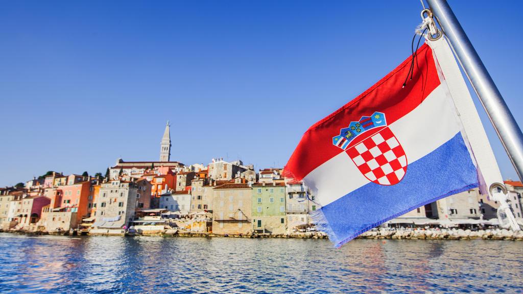 Sie wollen nach Kroatien, aber ihr Reisepass ist abgelaufen? Mit diesem Trick können Sie trotzdem einreisen.