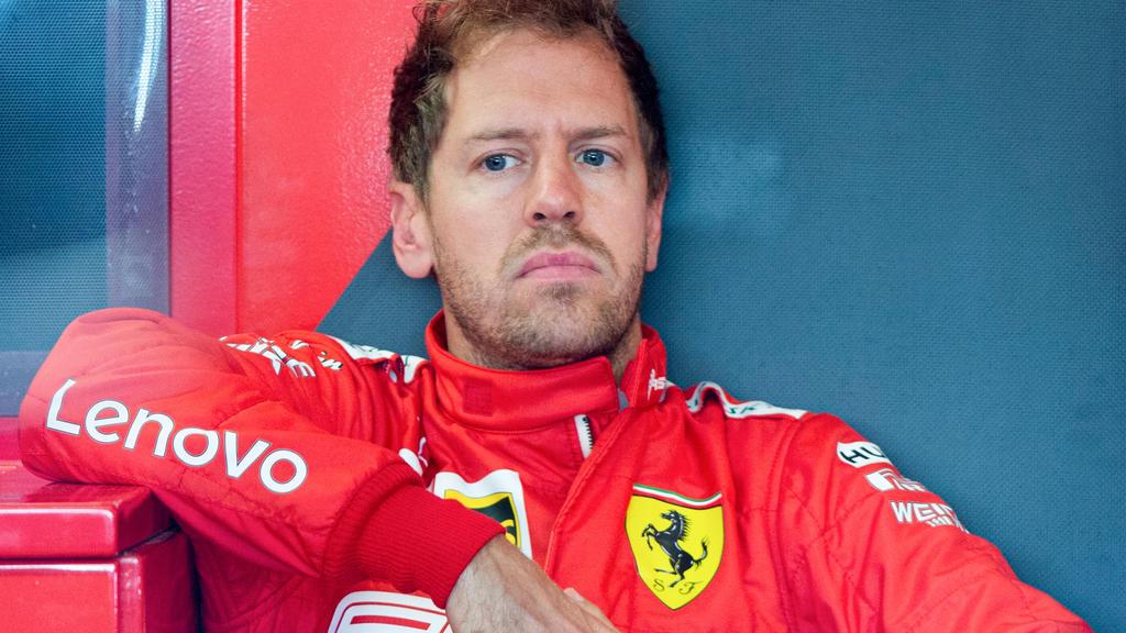 ARCHIV - 07.06.2019, Kanada, Montreal: Motorsport: Formel-1-Weltmeisterschaft, Grand Prix von Kanada, 1. Freies Training: Sebastian Vettel aus Deutschland vom Team Ferrari sitzt in der Box und wartet auf den ersten Durchgang des 1. Freien Trainings.