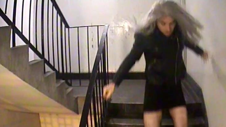 Mark Brown verkleidete sich als Frau, um eine junge Frau sexuell zu missbrauchen.