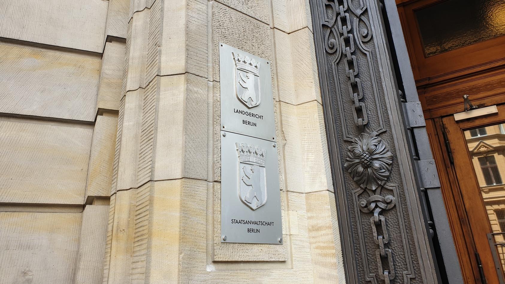 Im Landgericht Berlin wurde heute der Prozess gegen Veysel K. eröffnet.