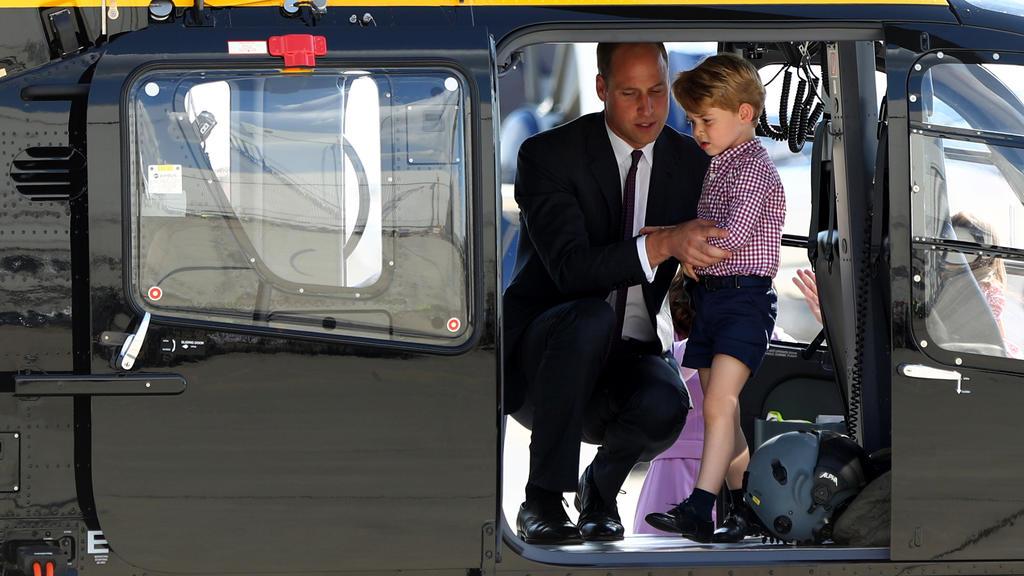 Prinz George in einem Helikopter